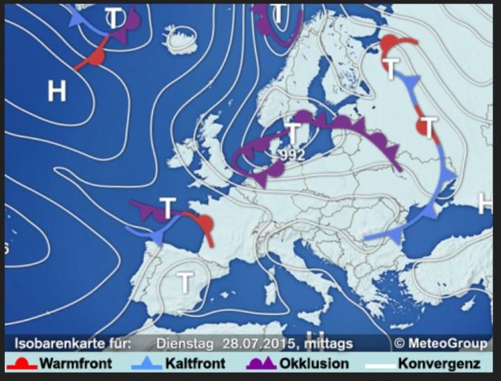 Herbstwetterlage am 28. JUli 2015 mit Sturmtiefkomplex über Skandinavien. Quelle: