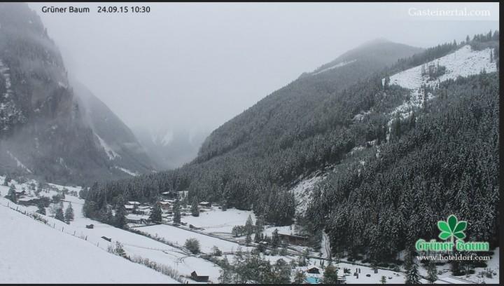 Webcam-Foto vom Schnee im Badgasteinertal am 24.9.2015, 10.30 Uhr. Quelle: