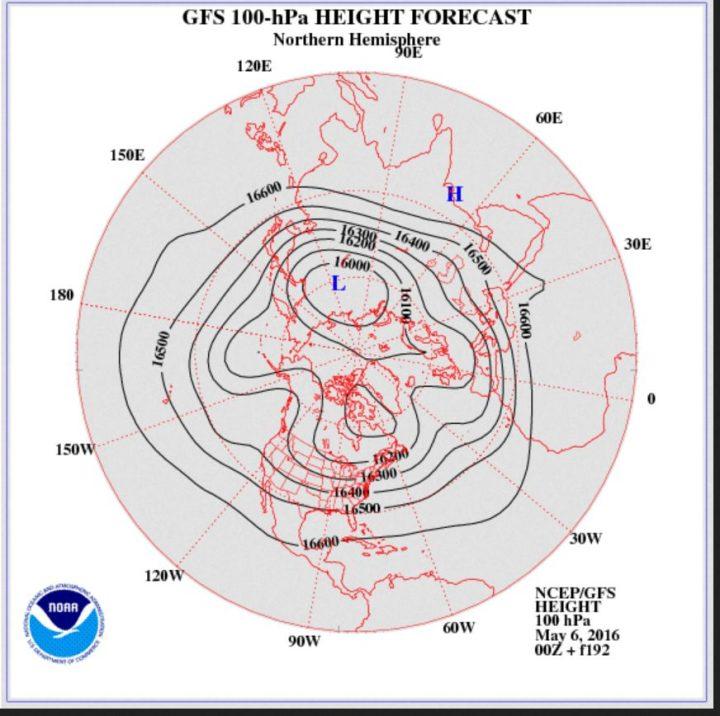 Die NOAA/GFS-Prognose vom 6.5.2016 für das Geopotential (Luftdruck) in 100 hPa (rund 16 km Höhe, untere Stratosphäre) am 14.5.2016. Ein umfangreicher und kräftiger kalter Trog liegt über Mitteleuropa. Quelle: