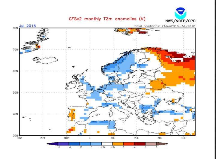 NOAA-CFSv2-Prognose der Temperaturabweichungen (2m) für Europa im Juli 2016. Deutschland liegt im (weißen) durchschnittlichen und im kühleren (blauen) Bereich um -0,5K. Quelle: