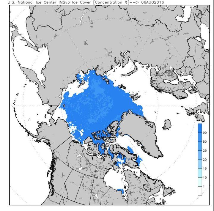 Die Karte des US National Ice Center zeigt die Eisbedeckung und die Eiskonzentration in der Arktis am 6. August 2016. Die Eisbedeckung an der russischen Küste (oben) im Bereich der Laptevsea weist überwiegend eine Konzentration bis zu 100% auf. Da gibt es in diesem Jahr kein Durchkommen für ein Klimananarrenscfiff unter Segeln... Quelle: