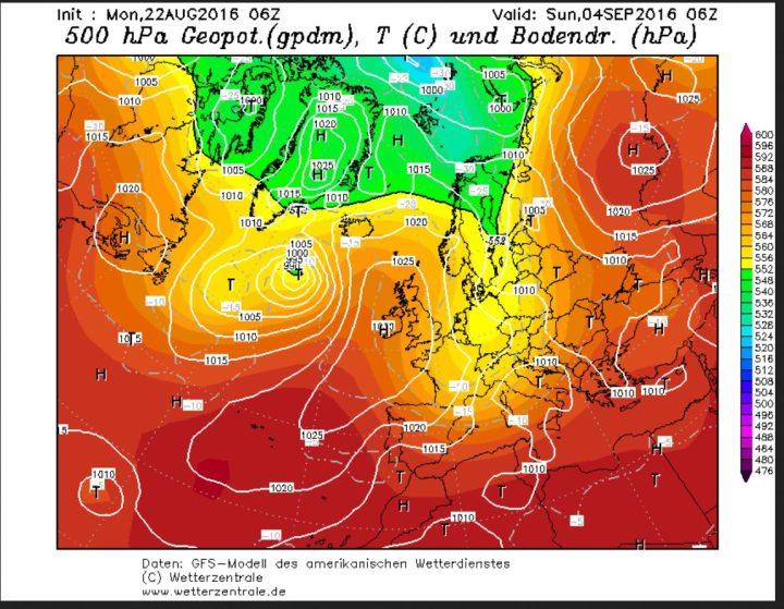 """Die GFS-Prognose vom 22.8.2016 zeigt die ehemalige """"Schallplatte"""" südwestlich von Island als extratropisches Islandtief mit einem kalten Kern (grüne Farbe). Auf der Ostseite des Hochs über Großbritannien hat hochreichende Polarluft (gelbe Farben) Mitgteleuropa geflutet. Quelle: wie vor"""