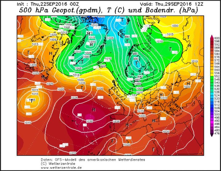 GFS-Prognose vom 22.9.2016 für die Bodenwetterkarte am 29.9.2016. Zwischen einem kräftigen Tiefkomplex über Skandinavien und hohem Druck über dem Nordatlantik und dem Nordmeer werden in breitem Strom hochreichende hebstlich kalte und feuchte arktische Luftmassen nach West- und Mitteleuropa geführt. Quelle: