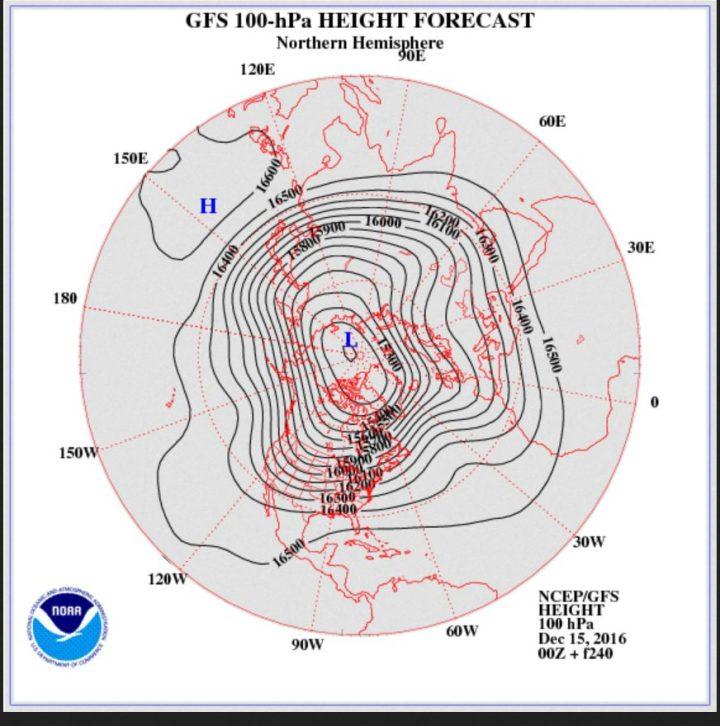 GFS-Strat.-Prognose 150 hPa (rund 16 km Höhe) vom 15. für den 25.12.2016 mit Trog über Mitteuropa: Weiße Weihnachten sind möglich! Quelle: